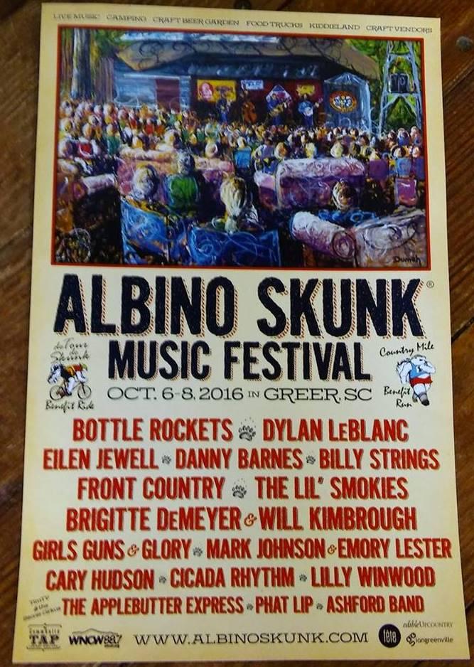 Albino Skunk 3